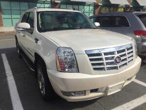 2007 Cadillac Escalade White Diamond Pickup Truck