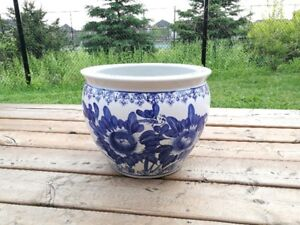 Beautiful Ceramic flower pots or Decorative pots