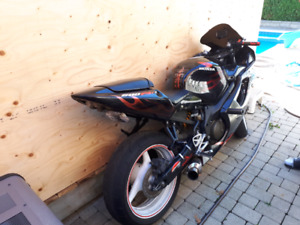 2002 Honda cbr 600 f4i $ 2200 or  trade for a sled