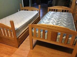 Twin size wooden bunk bed  London Ontario image 5