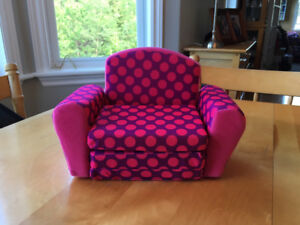 Doll size Sofa chair and cushion