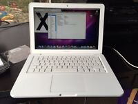 Apple MacBook unibody 6.1 2009 perfect good battery can deliver