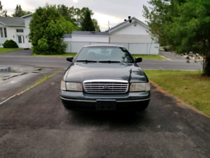 Ford Crown Victoria LX 2003