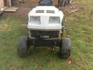 WANTED Sears Craftsman FF garden tractor or attachments.