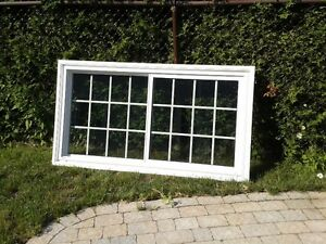 FENÊTRE DE HAUTE QUALITÉ (EN PVC) / HIGH QUALITY (PVC) WINDOW