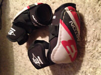 Easton Elbow Pads for size Youth Large