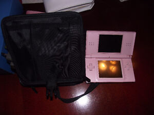 NINTENDO DS LITE - EXCELLENT CONDITION WITH GAMES