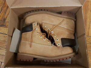 Selling a Pair of Juniors 6 Timbs Size 5.5Y/7 M/7.5 W for $75