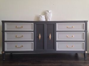 *SIDEBOARD/DRESSER - Must See! - Delivery Available