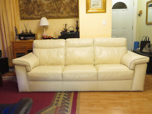 Natuzzi White Leather Couch | Sofa Cuir Blanc
