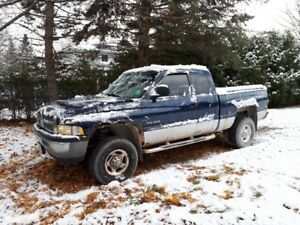 2002 DODGE RAM 2500 PICK UP TRUCK