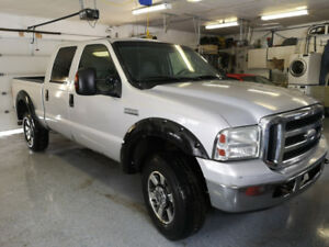 Good Looking 2006 Ford F-350 XLT Pickup Truck