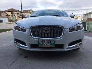 Great clean car with winter package and led head lamp