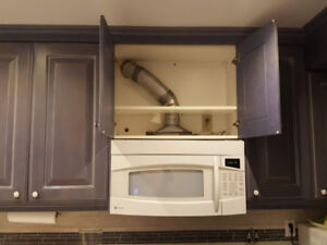Over hood Microwave with Vent Comb