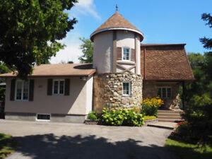 Maison de campagne sur grand terrain à St-Stanislas-de-Kostka