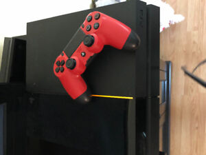 500 GB PS4 with controller