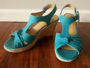 Naturalizer N5 Comfort turquoise wedge 9M (brand new)