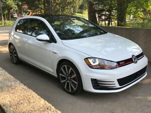 VW Golf GTI (Mint - 3 Door with Performance Pack!)