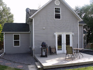 **HOUSE FOR RENT IN ROCKY MOUNTAIN HOUSE***
