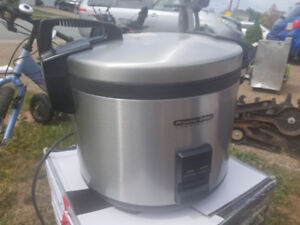 Rice Cooker (commercial used) 33 cups (uncook)