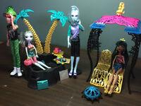 Monster High - Cleo de Nile spa incluant 4 poupées