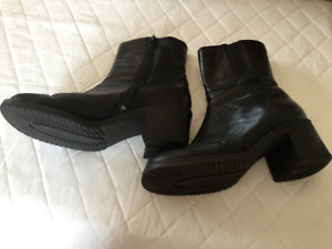 12 pairs of shoes-boots- 7 and 8 - Chaussures femme