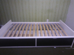 Free twin bed without matress