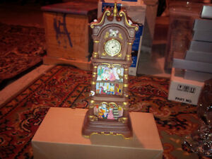 Franklin Mint Mousefield Manor musical Grandfather clock