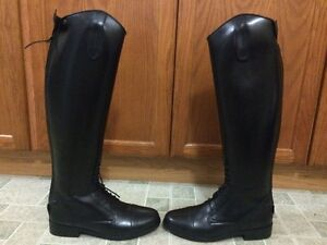 Brand New Auken Field Boots