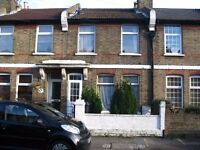 BEAUTIFUL TWO DOUBLE BEDROOM HOUSE LOCATED CLOSE TO BLACKHORSE ROAD STATION