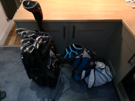 Masters golf clubs: Driver, 3 iron-pw and 2 bags