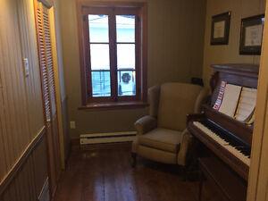 Maison bien positionnée dans la ville - avec revenu Saguenay Saguenay-Lac-Saint-Jean image 4