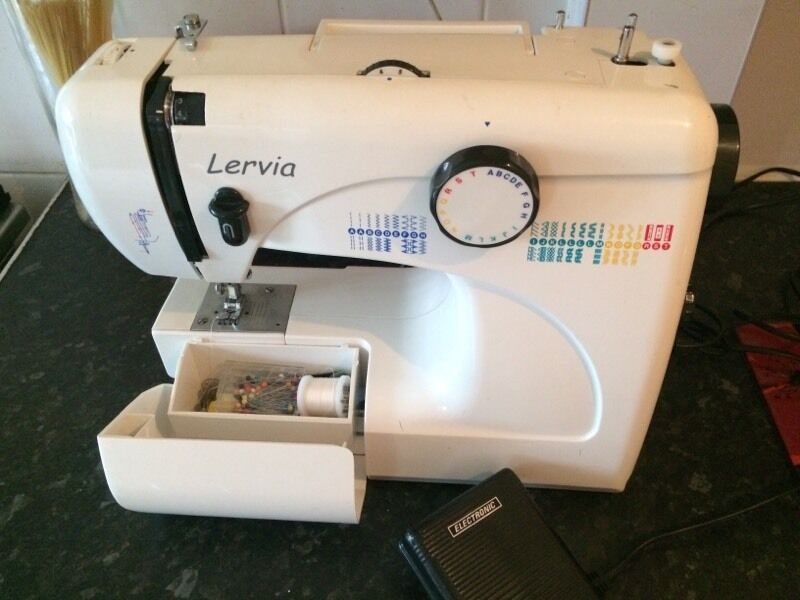 Lervia sewing machine hardly used in pontnewydd torfaen for Ikea macchina da cucire