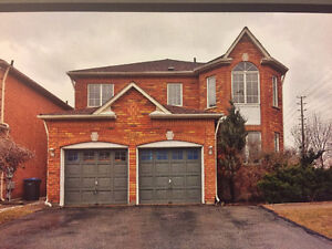 """Gorgeous Detached 4 Bedrooms Home """"Churchill Meadows"""" June 01"""
