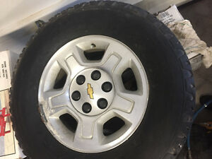 2009 Silverado rims and tires 80 km