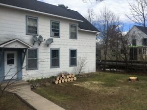 2 Bed Apartment, 35 Hillcrest Deep River *CNL and DND welcome*