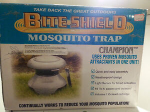 1/2 acre mosquito trap / Bite Shield