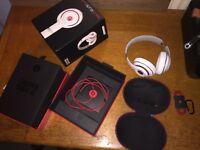 Genuine beats by dre studio wireless 2.0 (very good condition)