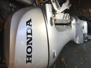 "2013 Honda 20 HP outboard engine 15"" short shaft"