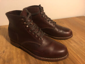 Wolverine 1000 mile mens leather boots, Size 10, in 'Rust'