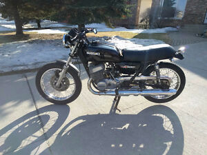1976 Suzuki GT500 - Big 2 stroke Street, excellent cafe project!