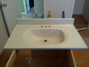 "31""/19"" bathroom vanity top, with Glacier Bay faucet"