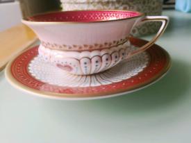 Queen of hearts teacup & saucer