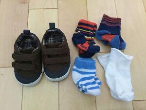 Chaussures pré-marche et chaussettes