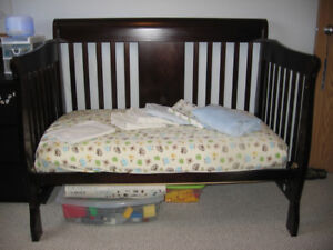 Graco 4 in 1 Convertible Crib - Dark Espresso Finish