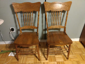 Antiquités: chaises, commodes... Antiques: chairs, dressers...