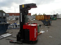RAYMOND REACH FORK LIFT