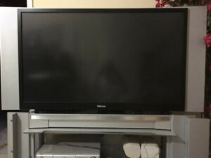 FREE 55 INS TOSHIBA TV  FOR REPAIR OR PARTS