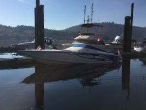 Velocity 2002 320 offshore performance boat