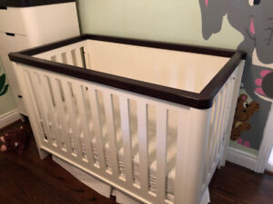 Natart Tulip Piccolo crib in French White/Java